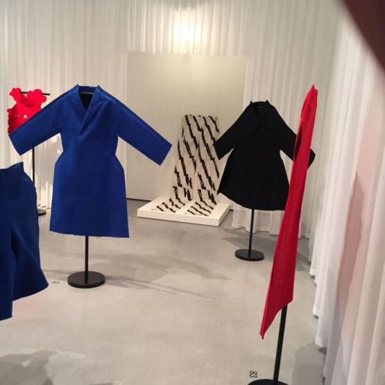 17-03/22/2-comme-des-garcons-felt-2d-collection-2012_natasha-cowan.jpg