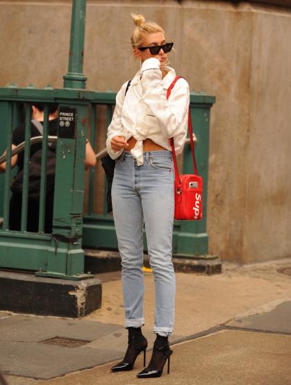 hailey-baldwin-street-outfit-supreme-louis-vuitton