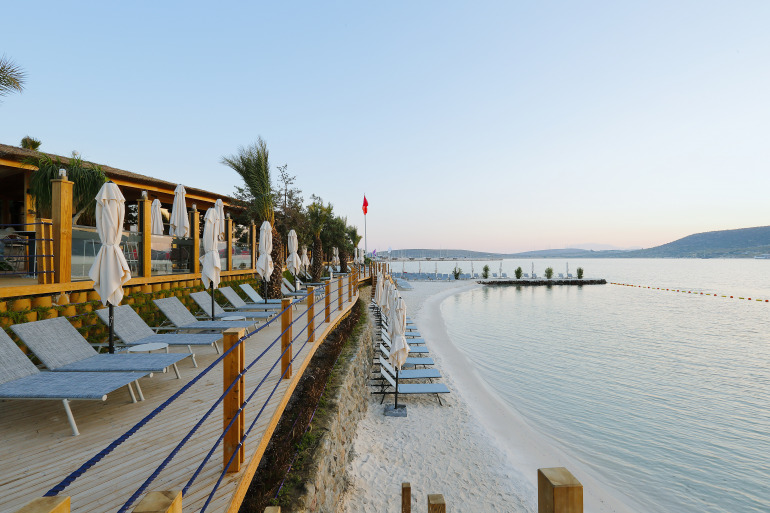 biblos beach