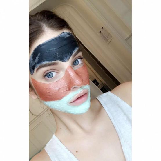barbara-palvin-face-mask-beauty