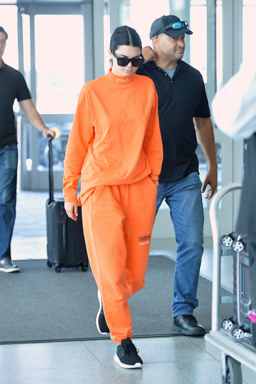 kendall-jenner-street-style-tracksuit