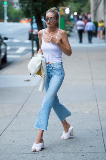 gigi-hadid-new-york-fashion-week-street-style