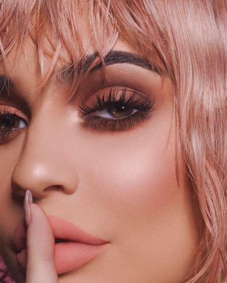 Kylie Jenner - Kylie Cosmetics