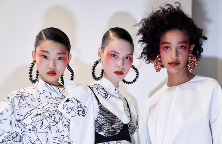kenzo-red-lipstick-blush-bomb-makeup