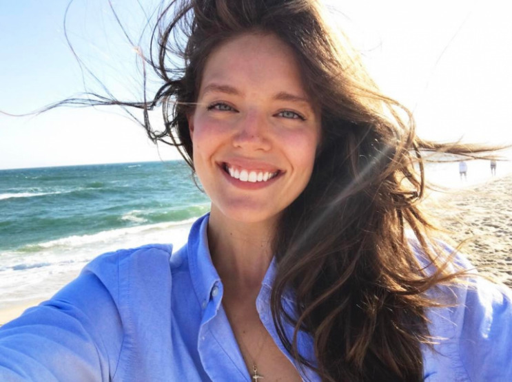 emily-didonato-white-teeth-smile