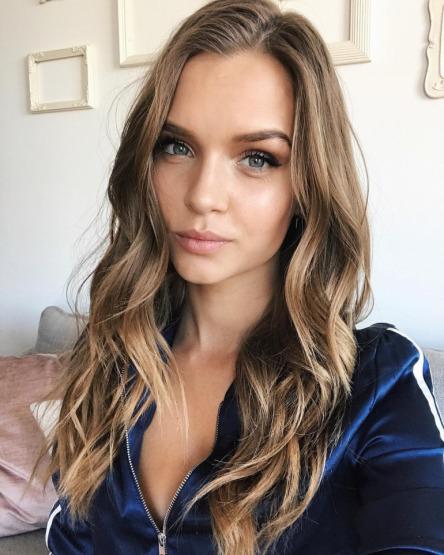josephine-skriver-makeup-beauty-skin