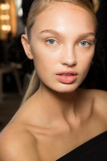 romee-strijd-beauty-make-up-oily-skin