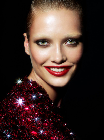 karmen-pedaru-disco-queen-make-up-beauty