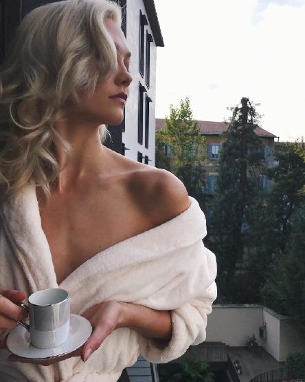 karlie-kloss-beauty-instagram-skin