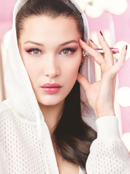 bella-hadid-dior-make-up-lipstick-balm-glow