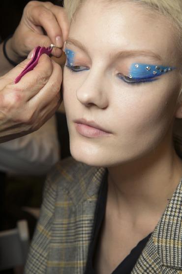 prada-milano-fashion-week-eye-make-up-cat-eye-crystal