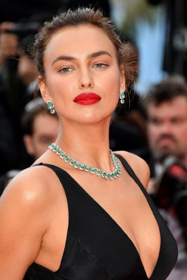 iria-shayk-red-carpet-cannes-beauty-make-up-tips