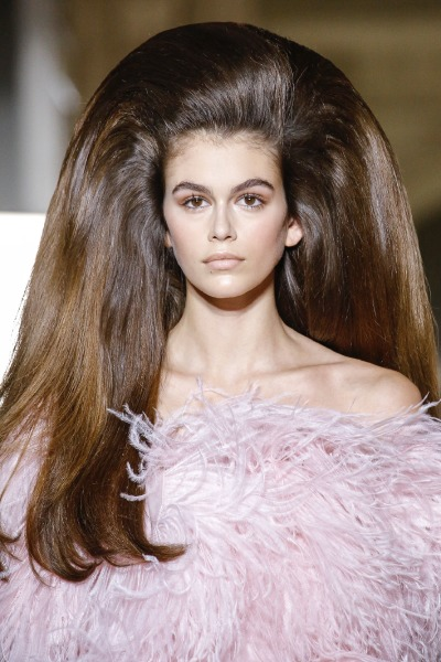 valentino-paris-couture-week-hair-big-fashion-beauty-kaia-gerber