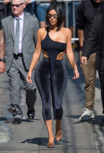 kim-kardashian-hair-style-beauty-outfit-make-up-kkw-beauty