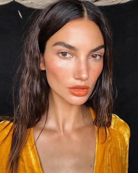 lily-aldridge-make-up-beauty-skin-peach-blush-foundation