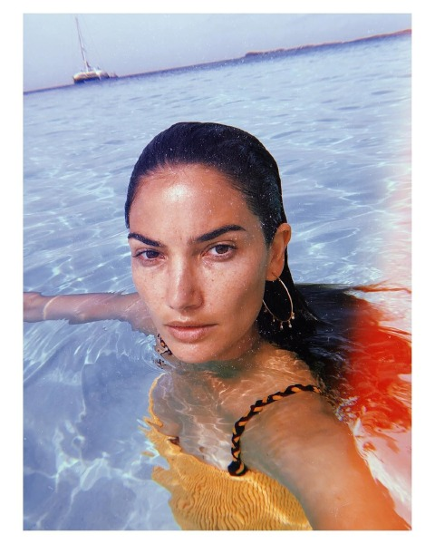 lily-aldridge-make-up-beauty-skin-waterproof-eyebrow