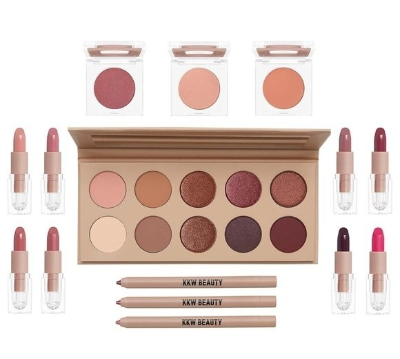kim-kardashian-kkw-beauty-cherry-blossom-collection-make-up
