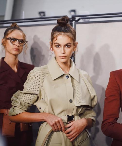 kaia-gerber-fendi-milano-fashion-week-2019-spring-summer-hair-updo