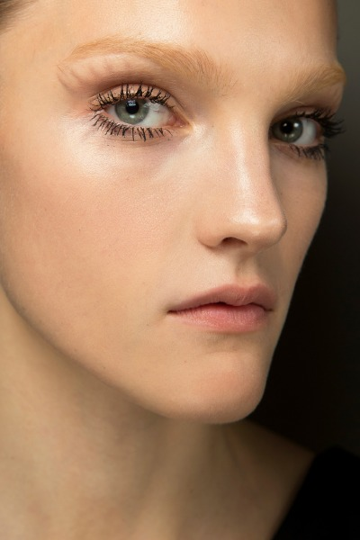 prada-make-up-beauty-mascara-eyes-lash