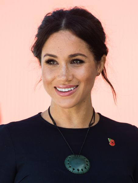 meghan-markle-face-make-up-beauty-highlighter-technique-hint-new-zeland