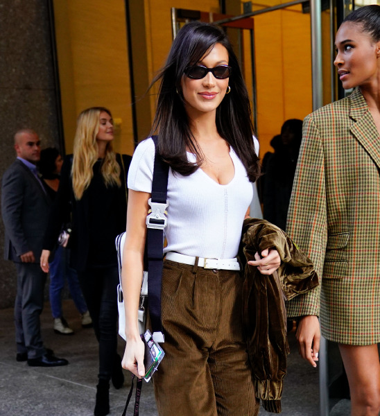 bella-hadid-new-york-beauty-hair-make-up-street-style-victorias-secret