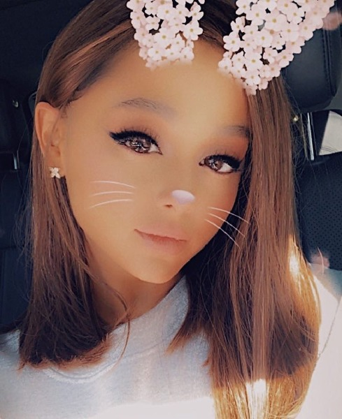 ariana-grande-hair-lob-cut-short-ponytail-instagram-beauty-celebrity