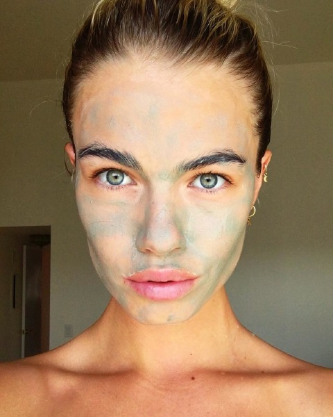 hailey-clauson-skin-care-face-mask-moisture