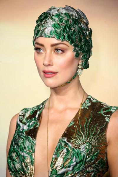 amber-heard-aquaman-red-carpet-gown-bonet-style-beauty-celebrity