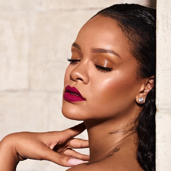 fenty-beauty-rihanna-make-up-mattemoiselle-lipstick
