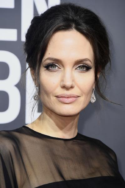 angelina-jolie-red-carpet-beauty-skin-care-make-up-celebrity