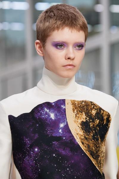 valentino-paris-fashion-week-hair-make-up-beauty-eyeshadow
