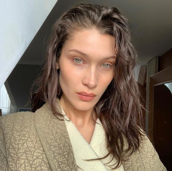 bella-hadid-paris-fashion-week-beauty-make-up-hair-instagram