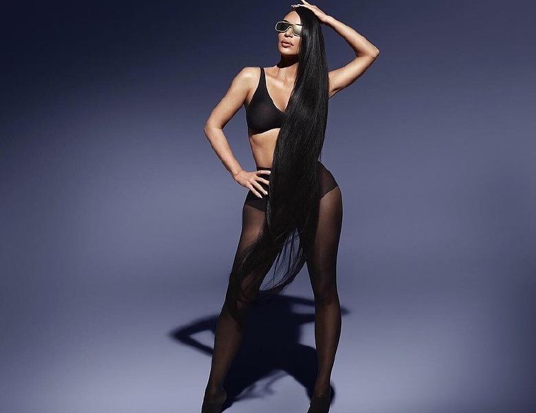 kim-kardashian-sun-glasses-summer-style-hair-campaign