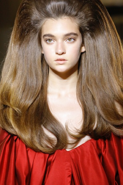 valentino-hair-volume-runway-model-beauty-tips