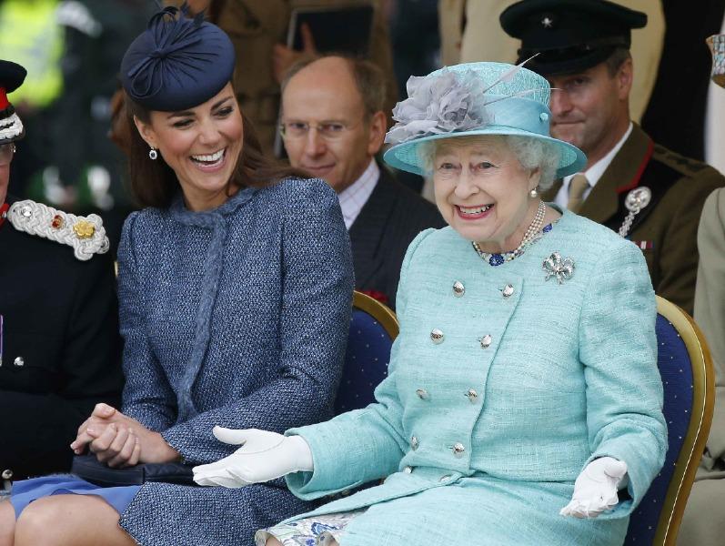 kraliçe elizabeth, kate middleton
