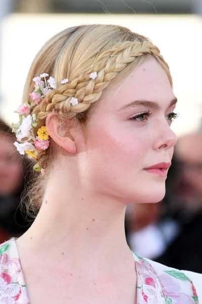 elle-fanning-cannes-red-carpet-make-up-beauty-celebrity
