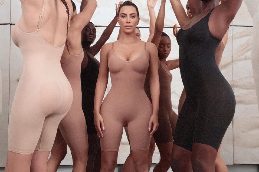 kim-kardashian-spanx-kimono-solutionwear-underwear-body
