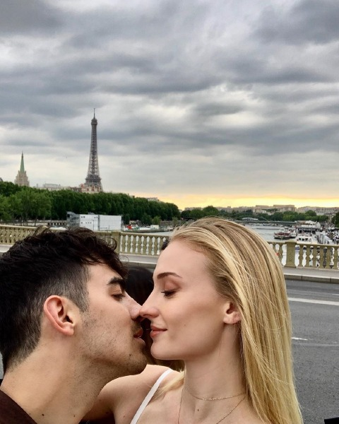 sophie-turner-joe-jonas-france-wedding-bride