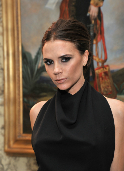 victoria-beckham-beauty-brand-details-make-up