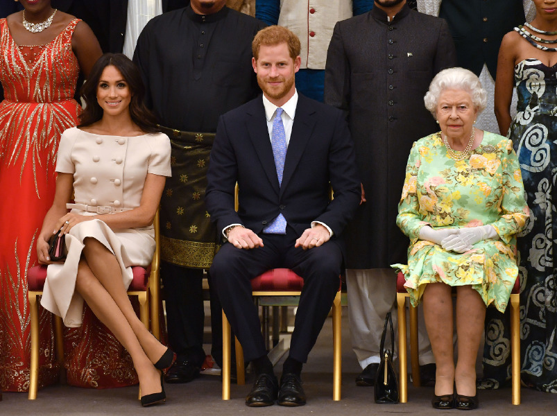 queen,elizabeth,meghan,markle